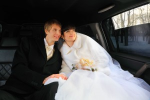 White Wedding Limousine, White Christmas Wedding, Winter Wedding