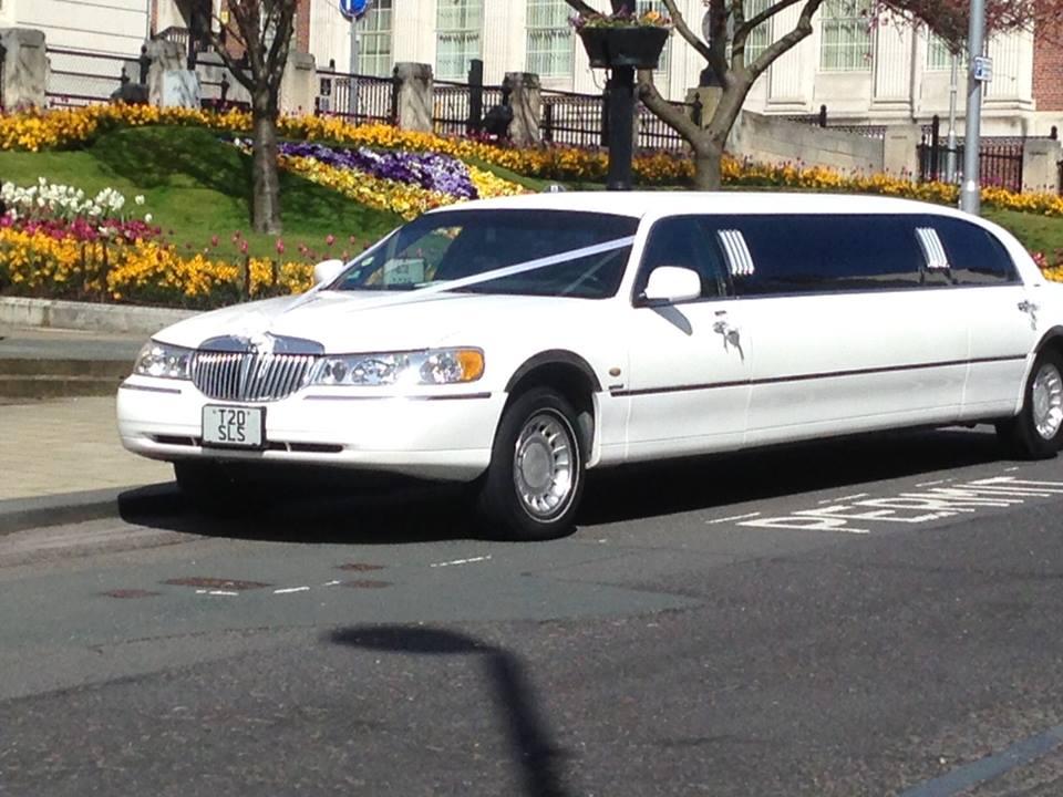 Wedding Cars West Yorkshire | Vintage Wedding Car Hire Huddersfield